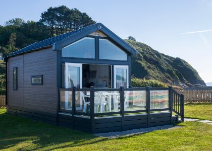 New beach-fronted cabins now open at Pentewan Sands
